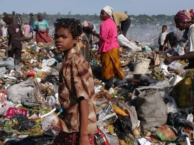 Foto: Mosambik: 17 Menschen von Mülllawine getötet