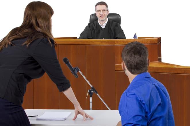 Foto: Mann mit paranoider Schizophrenie muss sich vor Gericht verantworten