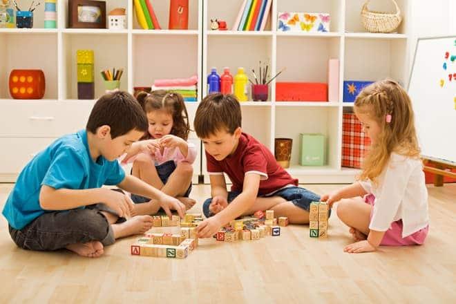 Kindergarten gegen Laufhaus