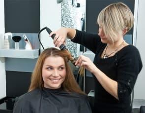 Friseur mit Kinderbetreuung