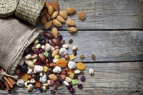 Foto: Obst und Nüsse
