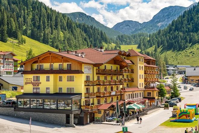 Große neue Erlebniswelt im Familienhotel Zauchenseehof
